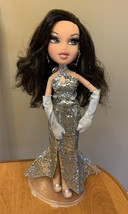 Bratz The Movie Jade Doll With Dress Earrings Gloves Shoes Eyelashes Used - $56.56