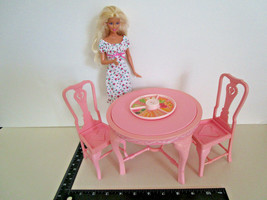 Barbie Dream House Furniture ROUND DINING TABLE & CHAIRS Sweet Roses Mat... - $17.77