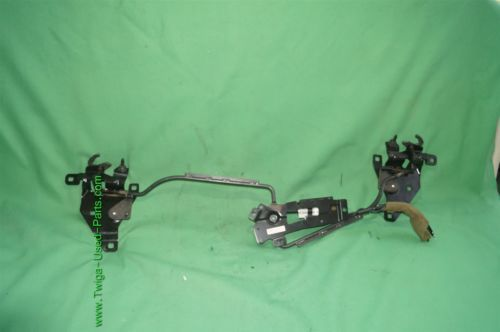 06-09 Pontiac G6 Hard Top Convertible Roof Lockdown Latch Assy