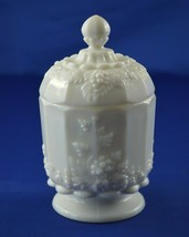 Westmoreland 1881 Paneled Grape Covered Candy Jar - $13.37
