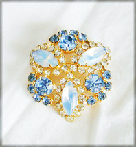 Blue and opalescent Lucite & rhinestones pronged pin vintage brooch jewelry - $19.75
