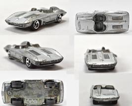2002 Hot Wheels 1957 Corvette Stingray Chevy Die Cast Car Silver Mattel - $8.86