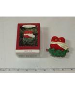 Hallmark Recuerdo Ornamento Nuestras Navidad Together Alfiler En 1994 Usada - $16.03
