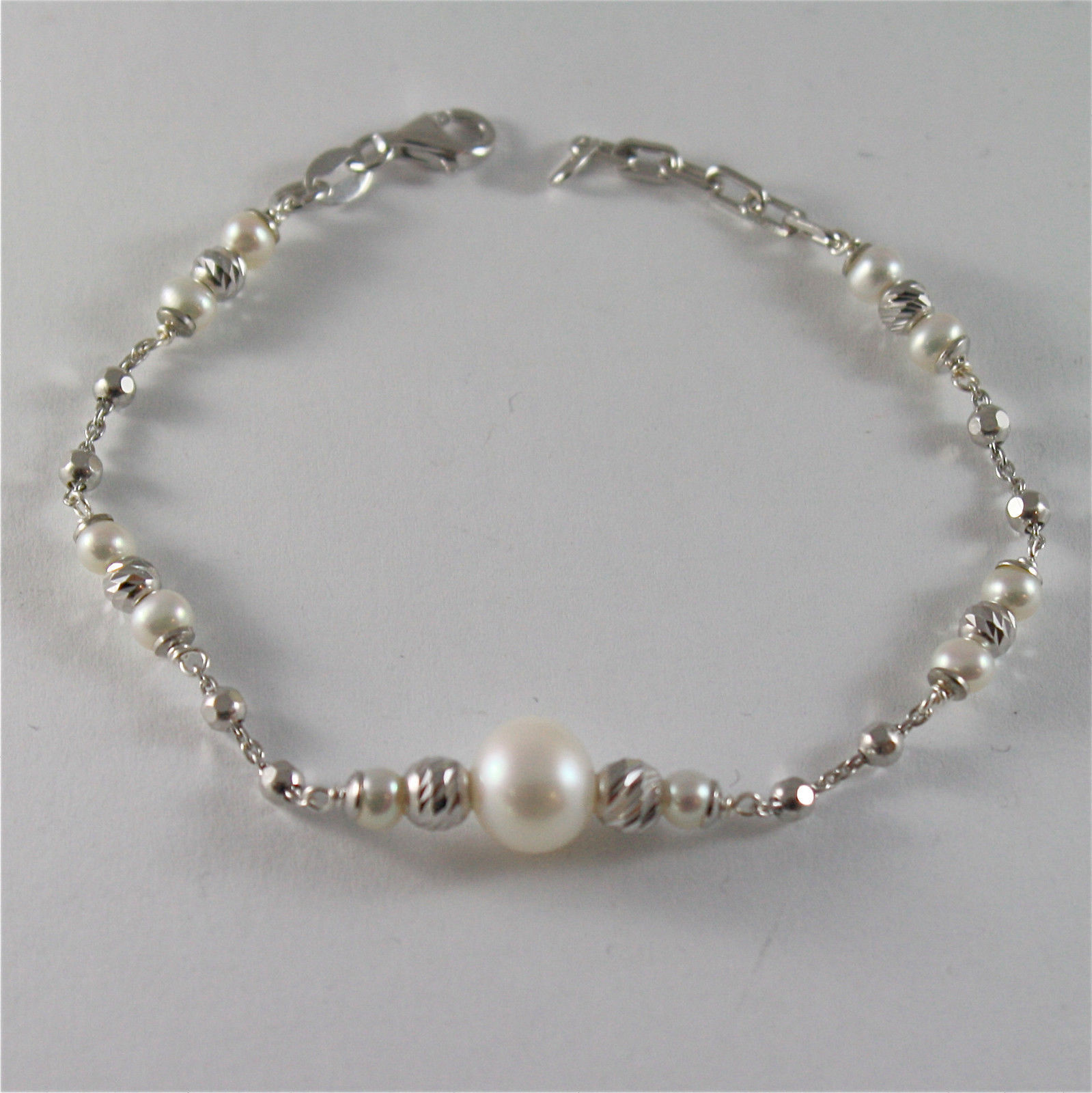925 SILVER BRACELET WITH 8 MM ROUND FW PEARL AND FACETED BALLS