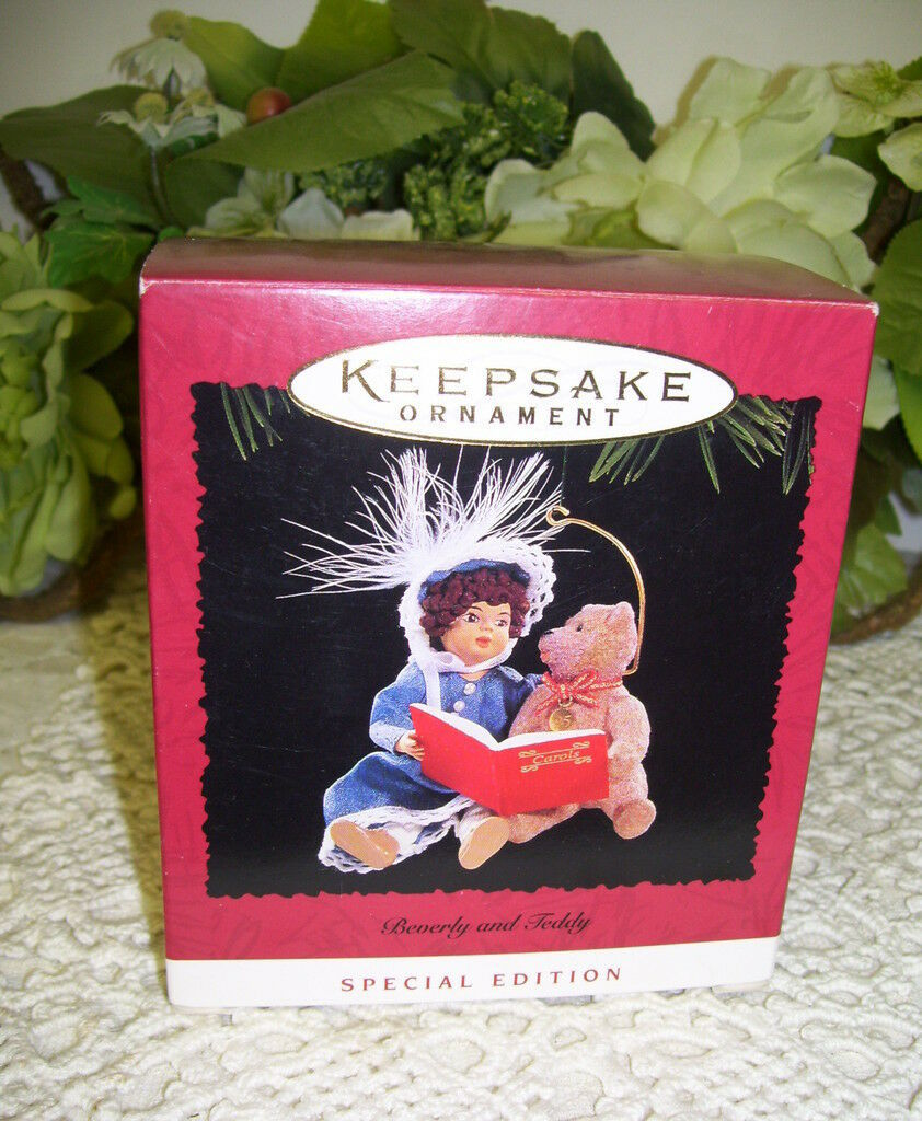 Primary image for HALLMARK ORNAMENT BEVERLY AND TEDDY 1995  NEVER USED DOLL AND BEAR READING
