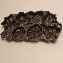 Vintage 1991 John Wright Flowers Baking Pan Cake Muffins Mold - $35.00