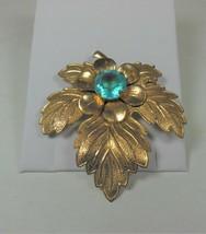 Gold Tone Oak Leaf Pin Brooch Flower Design - $14.84