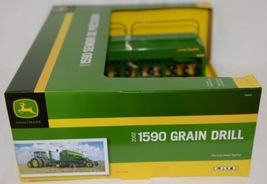 John Deere TBE45430 Die Cast Metal Replica 2002 1590 Grain Drill image 5