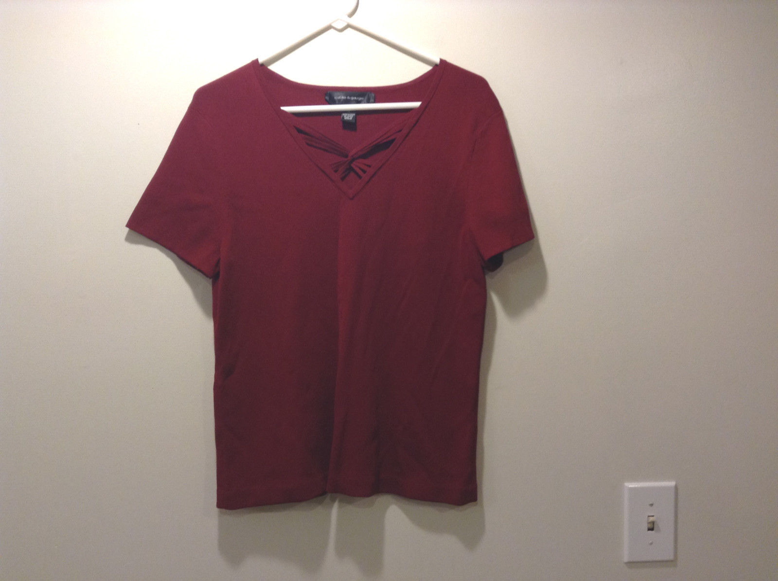 """Cable & Gauge Women's Size XL """"T-Shirt"""" Tee Top Wine Purple V Lacing Laced Neck"""