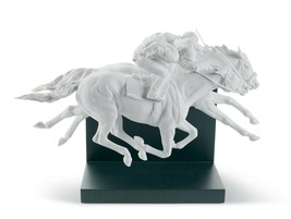 Lladro Horse Race Figurine. Limited Edition 01008515 - $2,015.00