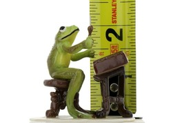 Hagen Renaker Miniature Frog Froggy Mountain Breakdown Dulcimer Ceramic Figurine image 2