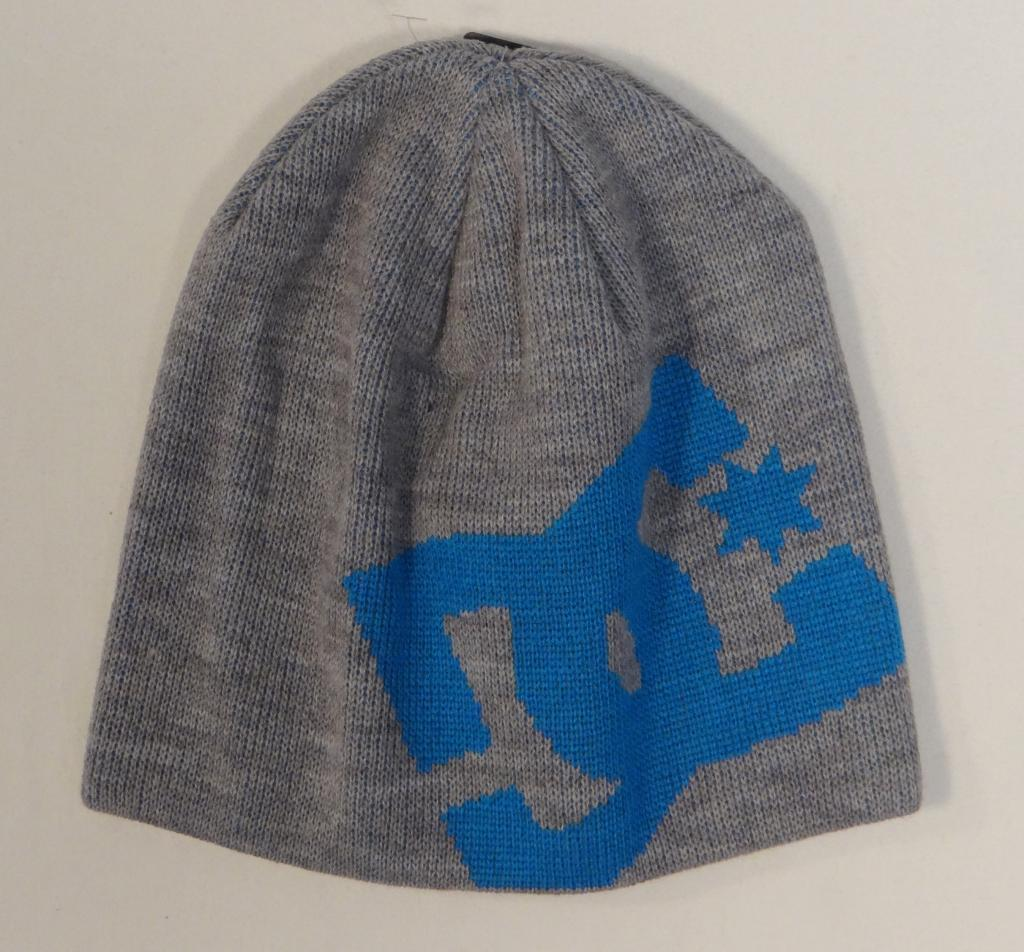 741036af769 S l1600. S l1600. Previous. DC Shoes Signature Gray   Blue Knit Beanie  Skull Cap Adult One Size NWT