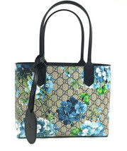 NEW/AUTHENTIC GUCCI Blooms GG Supreme Reversible Tote Bag, Multicolor - $1,449.00