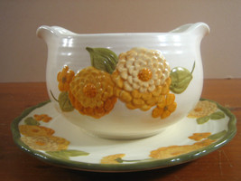 Sculptured Zinnias Gravy Boat Underplate Metlox Poppytrail Yellow Orange... - $36.39