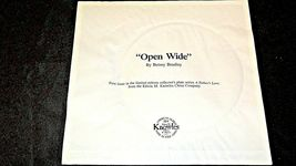"1984 ""Open Wide"" Betsy Bradley Plate with Box ( Knowles ) AA20- CP2174 Vintage image 5"