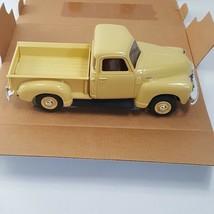 AMT ERTL 1950 Chevrolet Chevy Pickup Truck Cream Medium 2 door MIB  #8288EO - $27.80
