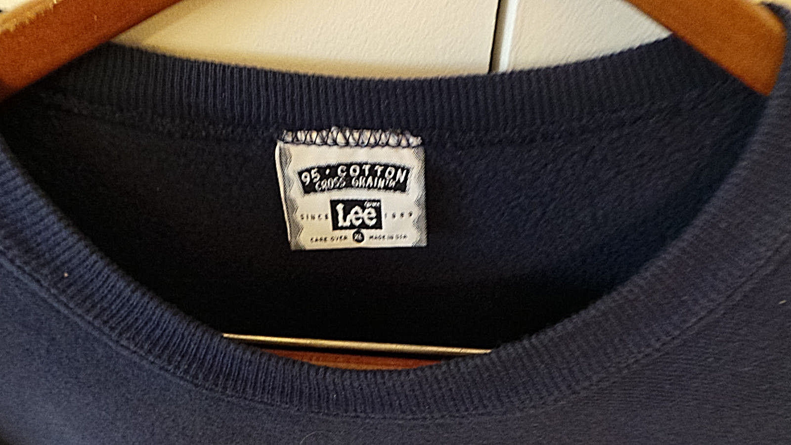 Putnam Sweatshirt in Navy Color w Bold Letters Size XL Made in USA by Lee VG+ image 3