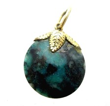 Small Round Vintage Molted Green & Black Gemstone Leaf Charm Necklace Pe... - $9.89