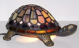 STUNNING QUOIZEL TIFFANY STYLE STAINED GLASS TURTLE ACCENT LAMP NIGHT LIGHT - $51.47