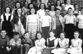 Elvis Presley in a photo from his 6th Grade Cl... - $7.18