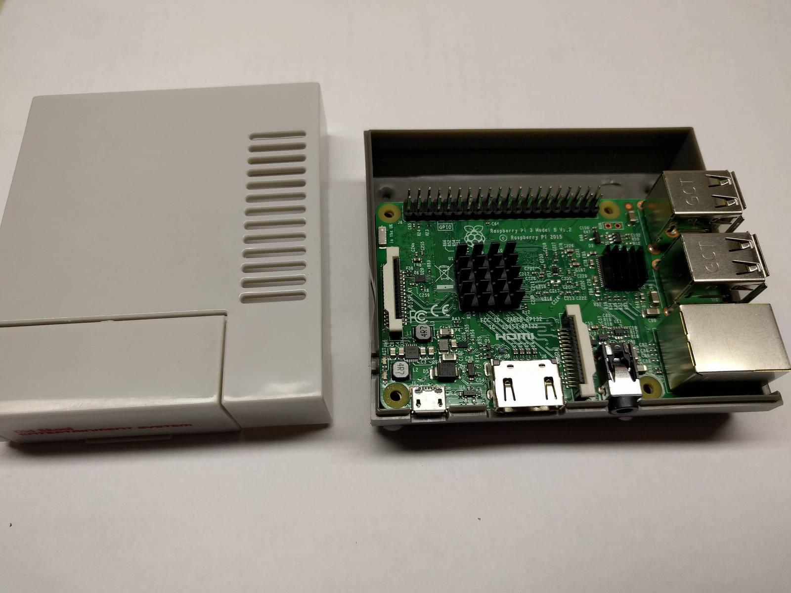 Raspberry Pi 3 Mini NES Classic Tribute Retro Gaming console 16GB w/ Controller