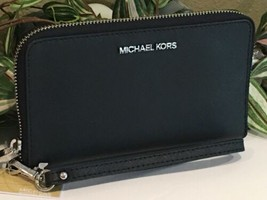 MICHAEL KORS JET SET TRAVEL MEDIUM ZIP PHONE HOLDER CASE WRISTLET BLACK ... - $69.29