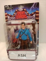 Ash Evil Dead 2 Neca Toony Terrors 6 Scale Action Figure In Hand (B) - $22.43