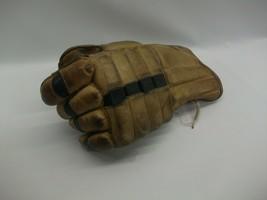 VTG SINGLE Left Handed Hockey Glove Winnwell 274 Youth Brown Man Cave Di... - $7.81