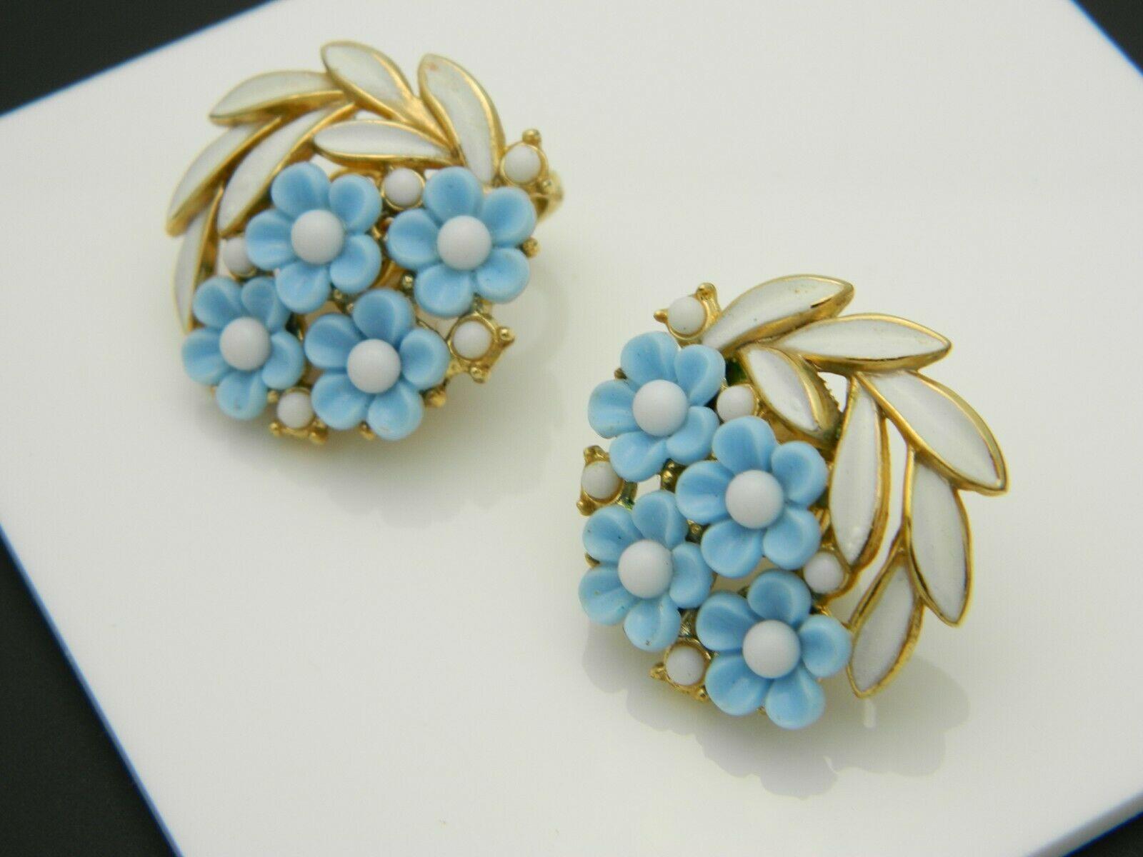Crown Trifari Blue Lucite White Enamel Flower Floral Gold Tone Clip Earrings