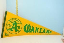 Vintage Oakland A's Yellow & Green Swingin A's Baseball Pennant - $9.89