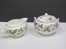 Scarce Wedgwood Strawberry Hill Covered Sugar and Creamer - $45.54