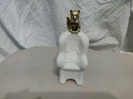 """""""Sitting Pretty""""  Milk Glass Rocking Chair with Goldtone Kitty- Collecti... - $5.90"""
