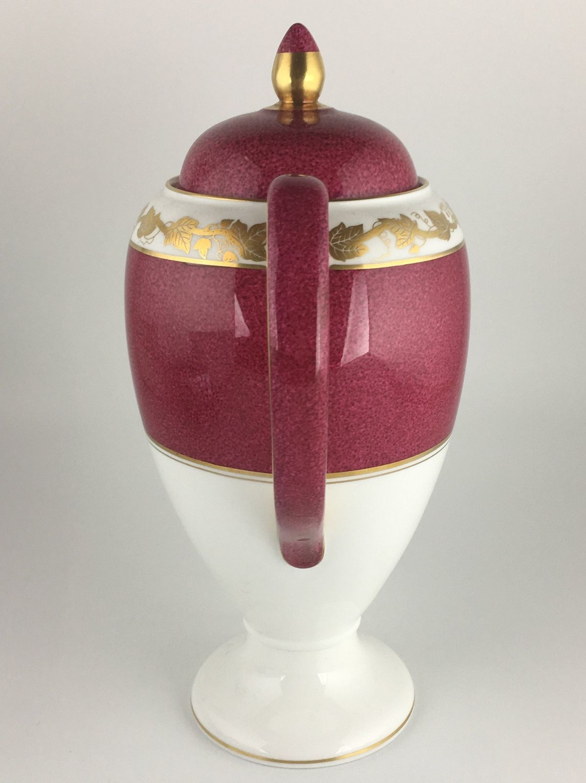 Wedgwood Whitehall Ruby W3994 Coffee pot & lid image 3