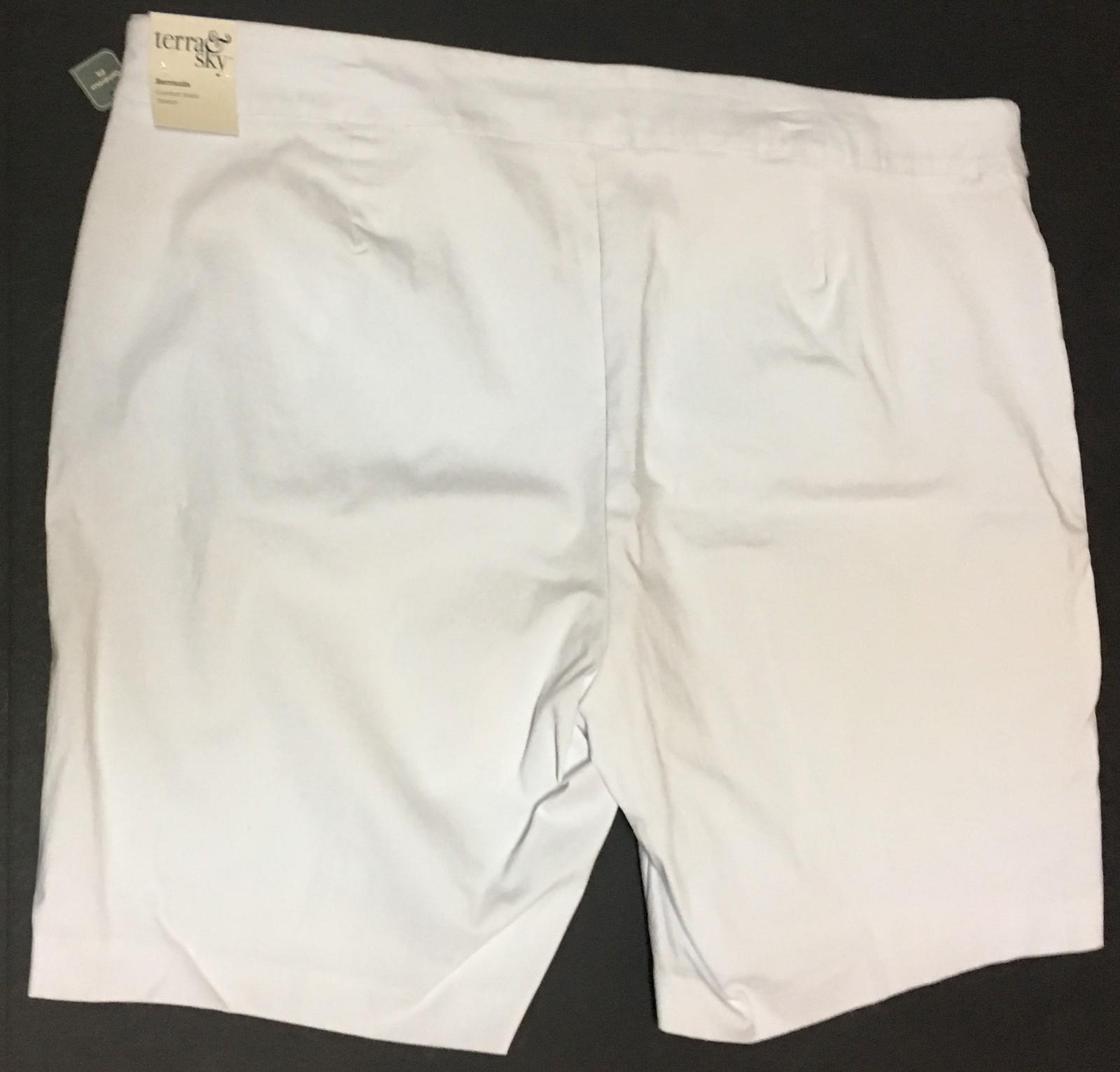Terra & Sky White Shorts Comfort Waist Stretch Bermuda 2X (20-22W) NWT