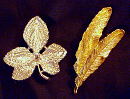 Gerry's PIN Lot Gold Plated Feathers & Silver tone Fall Leaf Textured Brooch VTG - $19.76