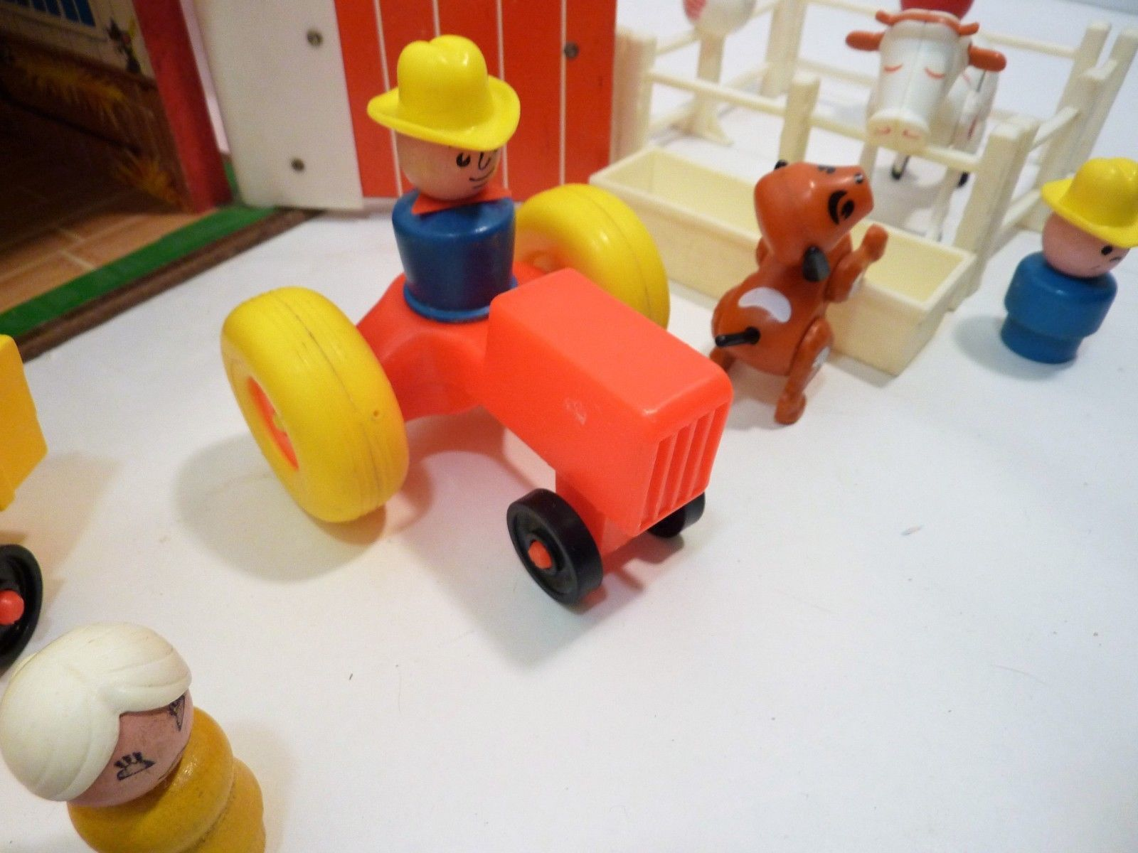 Vitnage 1972 Fisher Price Little People Farm 915 Complete