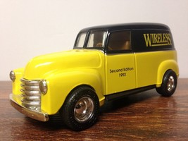 Wireless 1992 Second Edition ERTL Co. Antique Car Coin Bank - $9.95