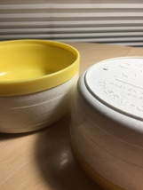 Vintage 60's Set of 2 Cornish therm-o-bowls - yellow and white image 3