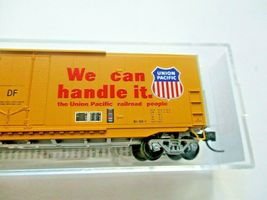 Micro-Trains # 18100141 Union Pacific 50' Standard Boxcar Plug Doors N-Scale image 3