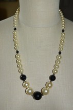 Faux Pearl Black Faceted Acrylic Bead Beaded Graduated Necklace Vintage - $13.86