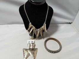 Vintage Retro Mod Fashion Jewelry Set Earrings Bangle Necklace Silver Tone - $27.89