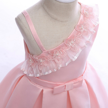 Sample One Shoulder Pink Satin Girls Party Gowns Sexy Mini Flower Girls Dresses image 3
