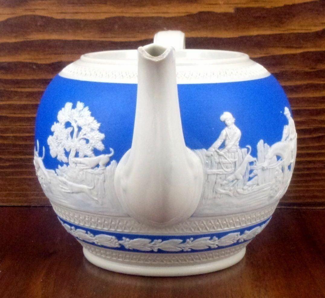 Antique Teapot Copeland Spode England Blue Jasper White Figures Hunt Hunting Dog - $44.06