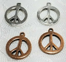 PEACE SIGN FINE PEWTER PENDANT CHARM 2x18x15mm