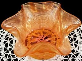 Venetian Art Glass Threaded Bowl Lovely and Delicate - $39.99