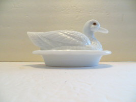 Vintage Westmoreland White Milk Glass Large Duck on Nest Covered Dish Wavy Base - $39.99