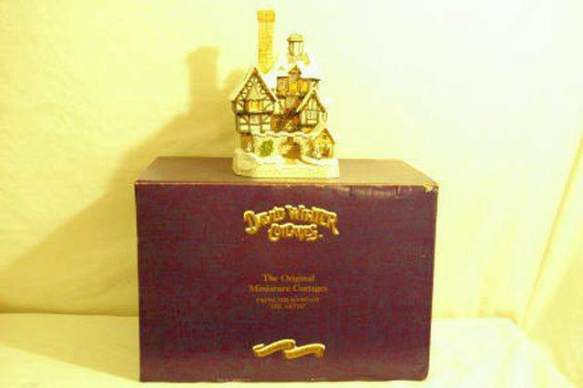 Primary image for David WInter 1993 Scrooge Family Home John Hines Studio In Box COA 7 1/4""