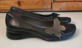 SHOES Clarks Indigo Black Leather  Cute Butterfly Accent Woman's 7 M Flats - $15.83