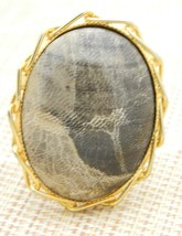 Black Beige Polished Quartz Oval Gold Tone Pin Brooch Vintage - $24.74