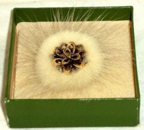 Brooch Pin Antique Gold Blossom Design With Furry Ring Exquisite 1796 in Box